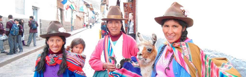 with their 'guaguas' (babies) and llamas